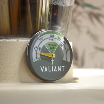 Valiant_Stove-Green-Thermometer_Lifestyle_WEB_2000x